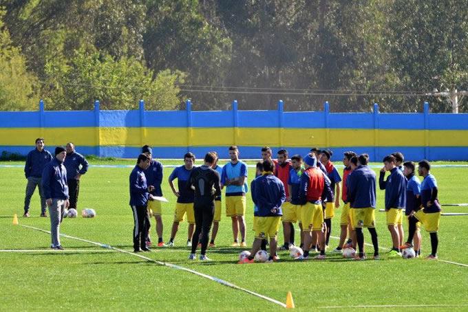 Everton Entrenando CDE 1