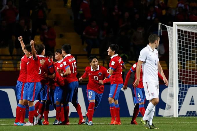 Selección Chilena Sub 17 celebrando 1