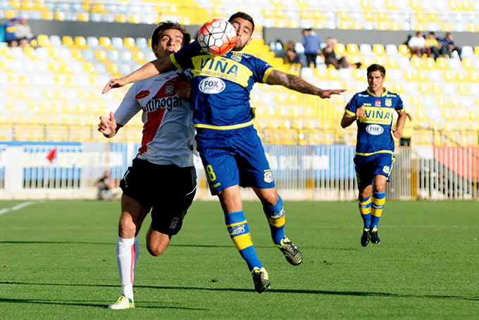 Everton vs Curico Unido 03
