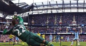 stekelenburg-everton-manchestrer-city