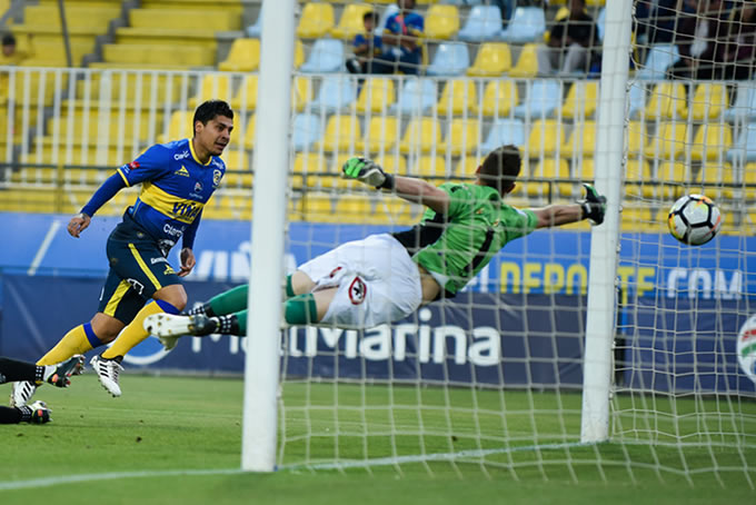 Everton vs San Luis 23