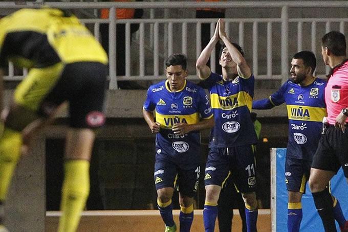 Everton vs San Luis 24
